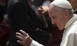 Artículo: Pope Francis Urges People to 'Hear the Cries' of Modern Slaves