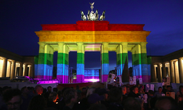 Artikel: Germany Finally Overturns Arrests of Gay Men, Nearly 50 Years Later