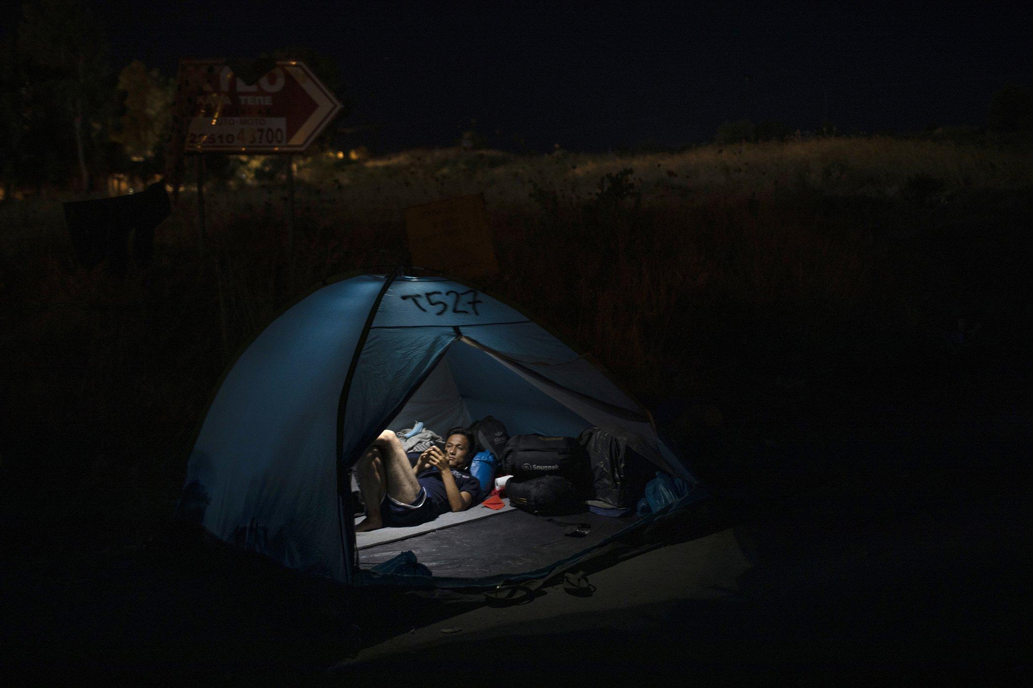 Moria-Refugee-Camp-Greece-Aftermath-Fires-003.jpg