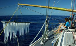 Artículo: Device to Clean Up Great Pacific Garbage Patch Will Soon Be Deployed