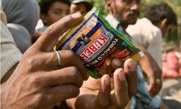 Article: India's capital bans all forms of chewing tobacco to reduce mouth and throat cancer
