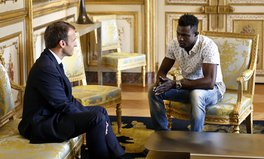 Article: Mali 'Spider-Man' Gets French Citizenship as Thousands of Other Migrants Stay in Limbo
