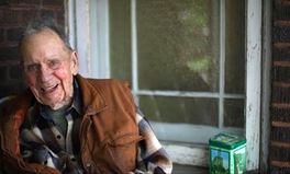 Artikel: This Man, 98, Is Donating $2M in Walgreens Stocks to a Wildlife Refuge