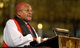 Article: Desmond Tutu Pledges to Get COVID-19 Vaccine to Help Combat Hesitancy