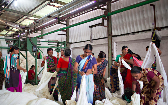 Garment Workers in India Take to the Radio to Demand Their Rights