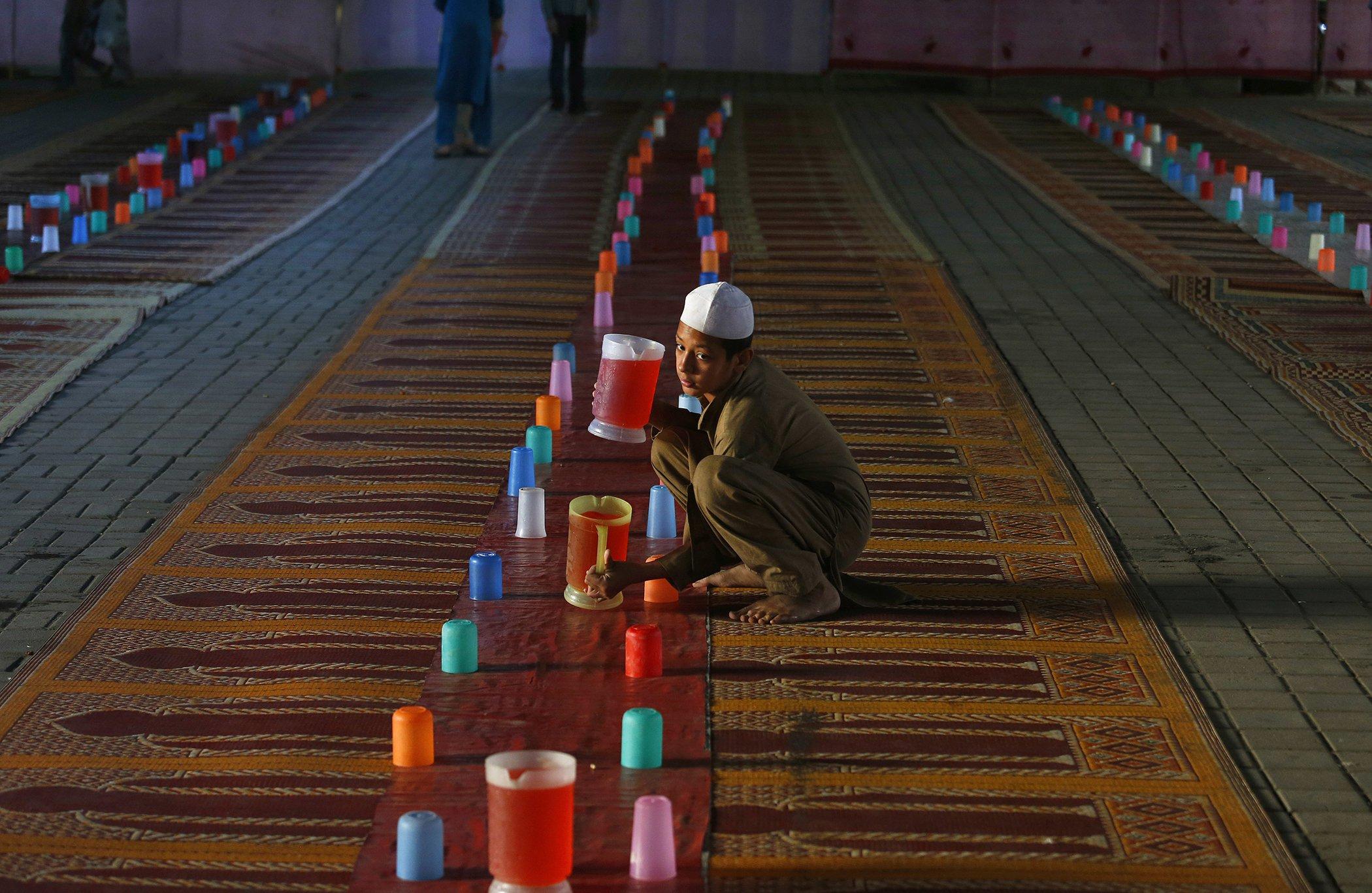 Pakistan-Ramadan-Holy-Month.jpg