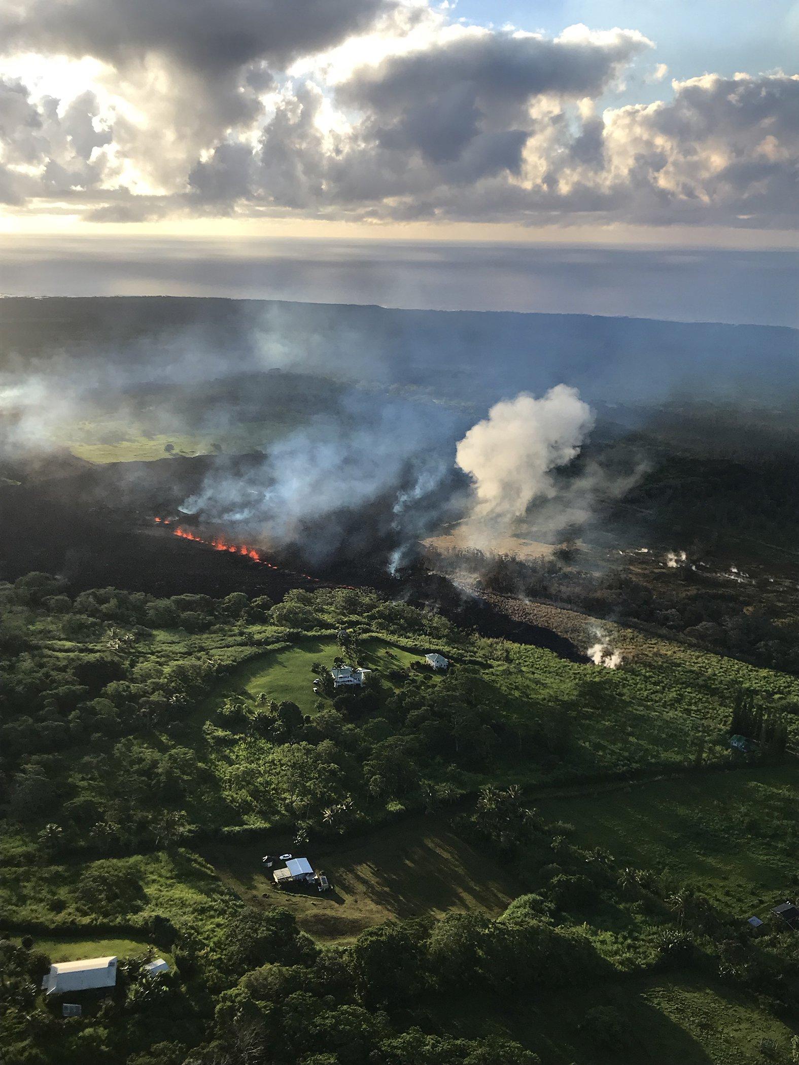 Hawaii-Volcano-Fissure.jpg