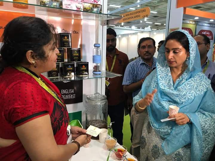 With Her Highness Harsimat Kaur Badal , Unionminister of food processing .jpg