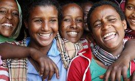 Artículo: #SheIsEqual Kampagne brachte mehr als eine Milliarde US-Dollar für Mädchen und Frauen