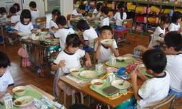 Article: Japan school lunch nutritious local healthy