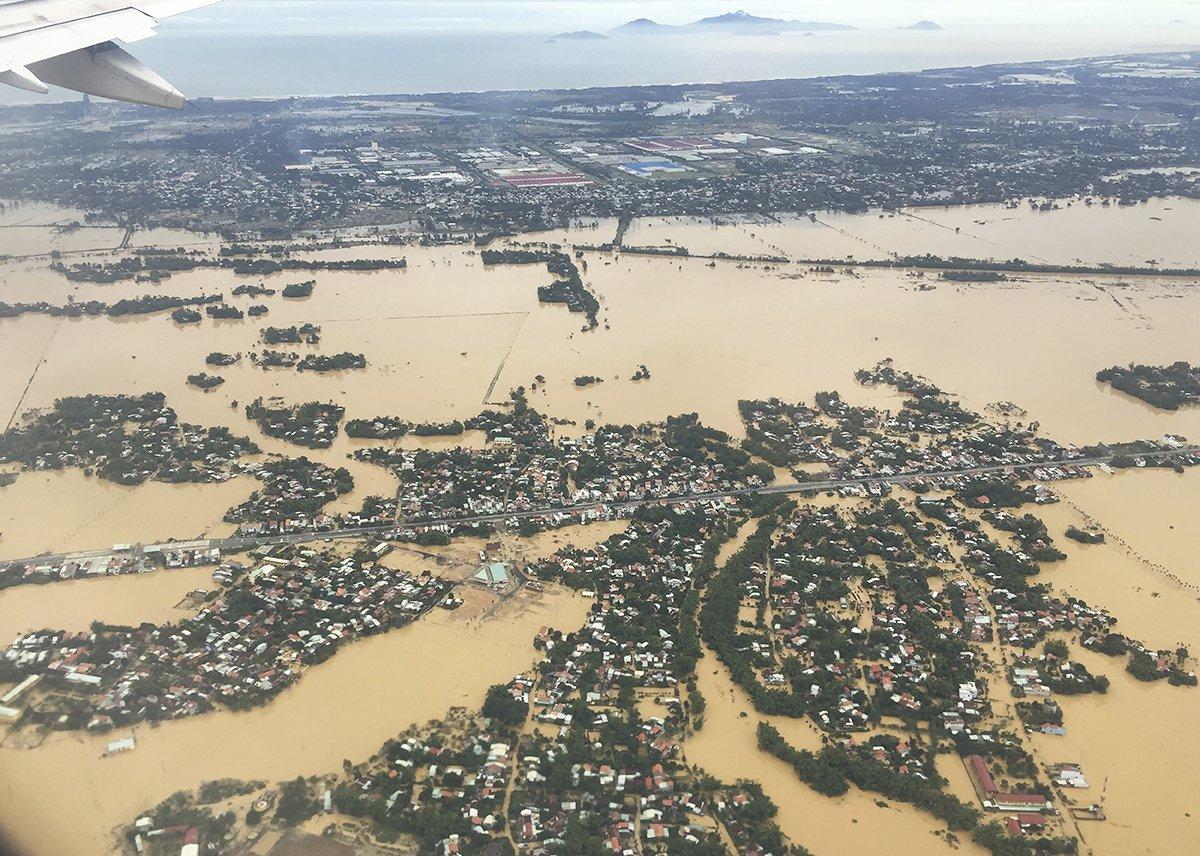 Vietnam-Typhoon-Damrey-Flooding.jpg