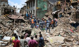 Artikel: One year after Nepal earthquake: Timeless elegance rebuilds lives