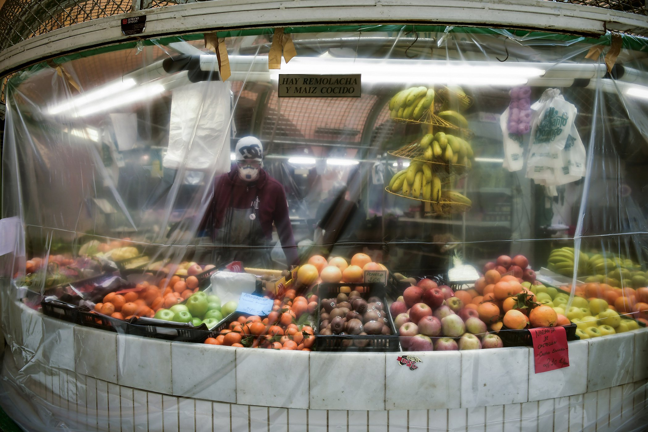 COVID-19-Spain-Grocery-Stores-002.jpg