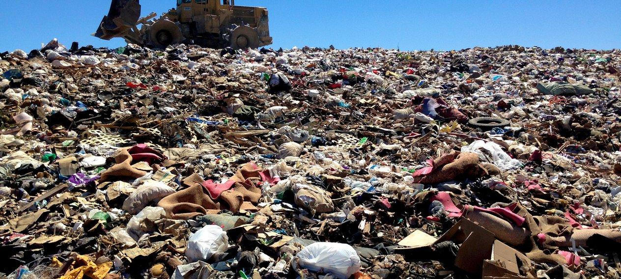 alan_levine-landfill-flickr.jpg__1264x568_q85_crop_subsampling-2.jpg