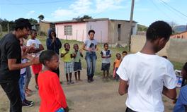 Merkmal: Dieses Schulprojekt gibt Kindern in Südafrika ein Stück Identität