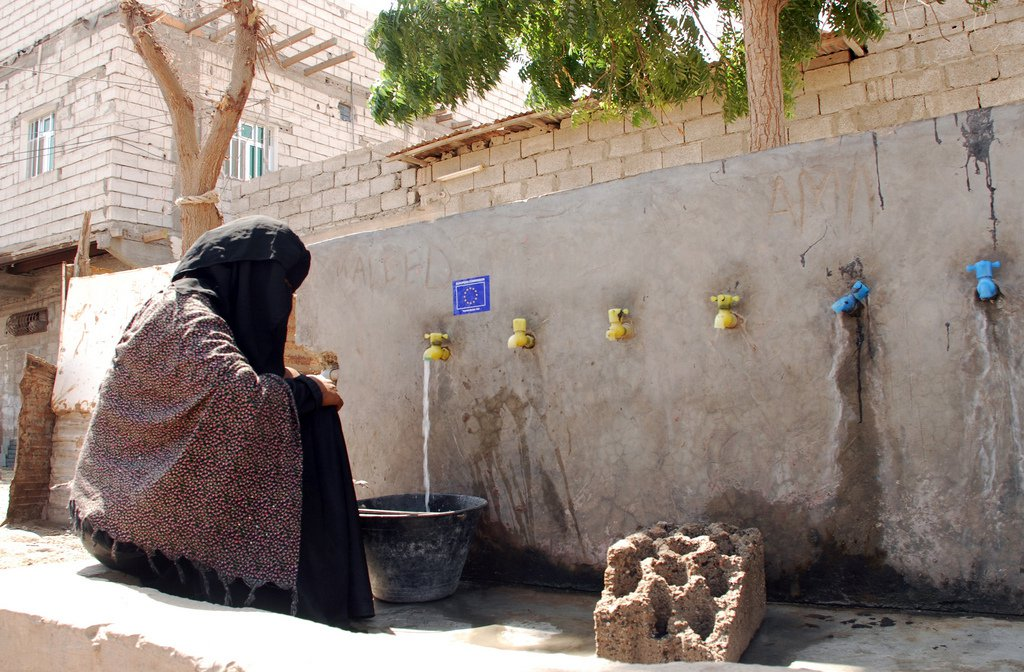 drinking water in yemen
