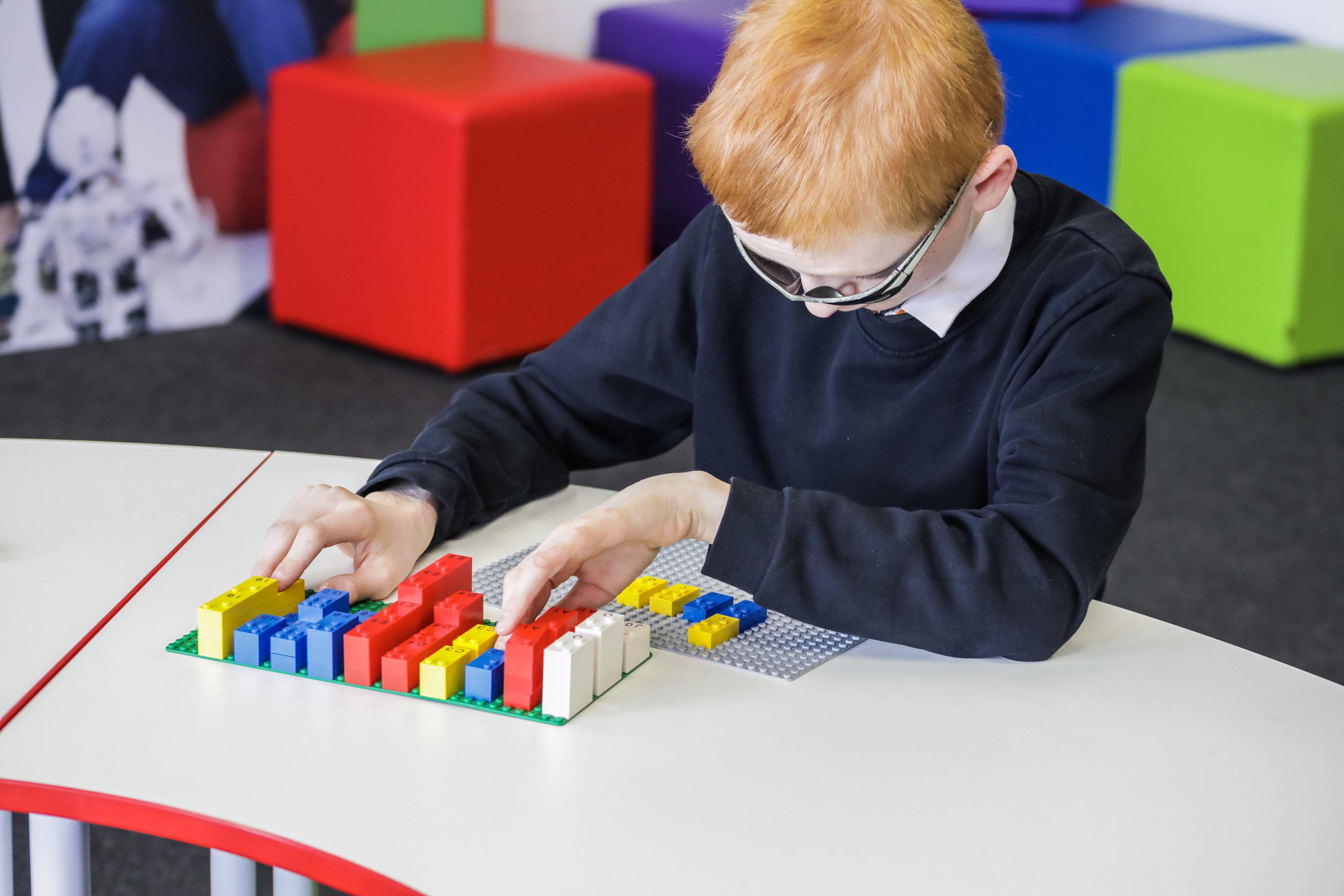 HighRes_Braille-Bricks_child_3.jpg