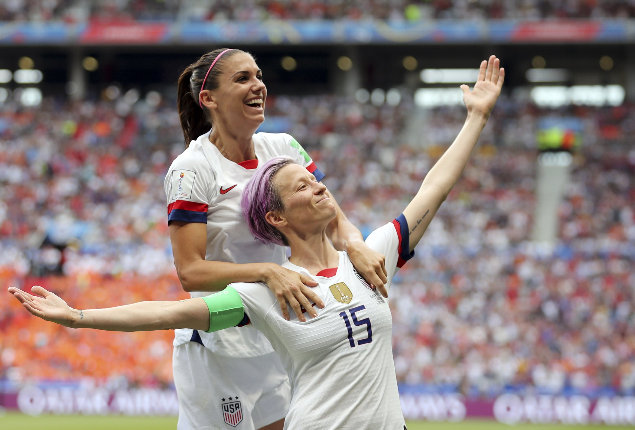 Alex-Morgan-Megan-Rapinoe-World-Cup-Equal-Pay.jpg