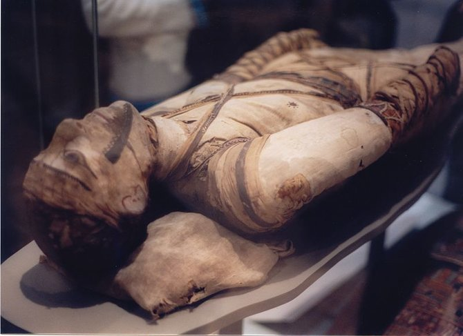 rsz_800px-mummy_at_british_museum.jpg