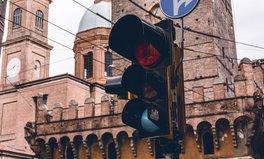 Article: Mumbai Green Lights Women Figures on Traffic Signals
