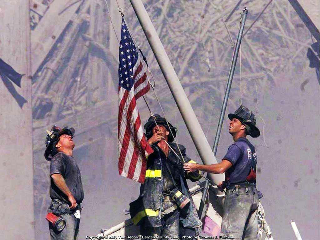 flag-raising-at-ground-zero.jpg