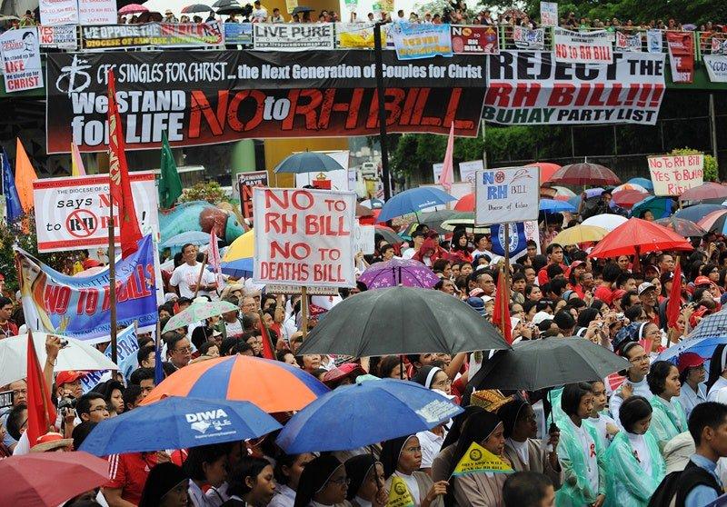 PHILIPPINES-DEMO-POPULATION-RELIGION.jpg
