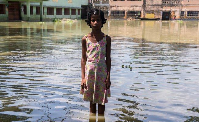 12 photos of indias flood b4.jpg