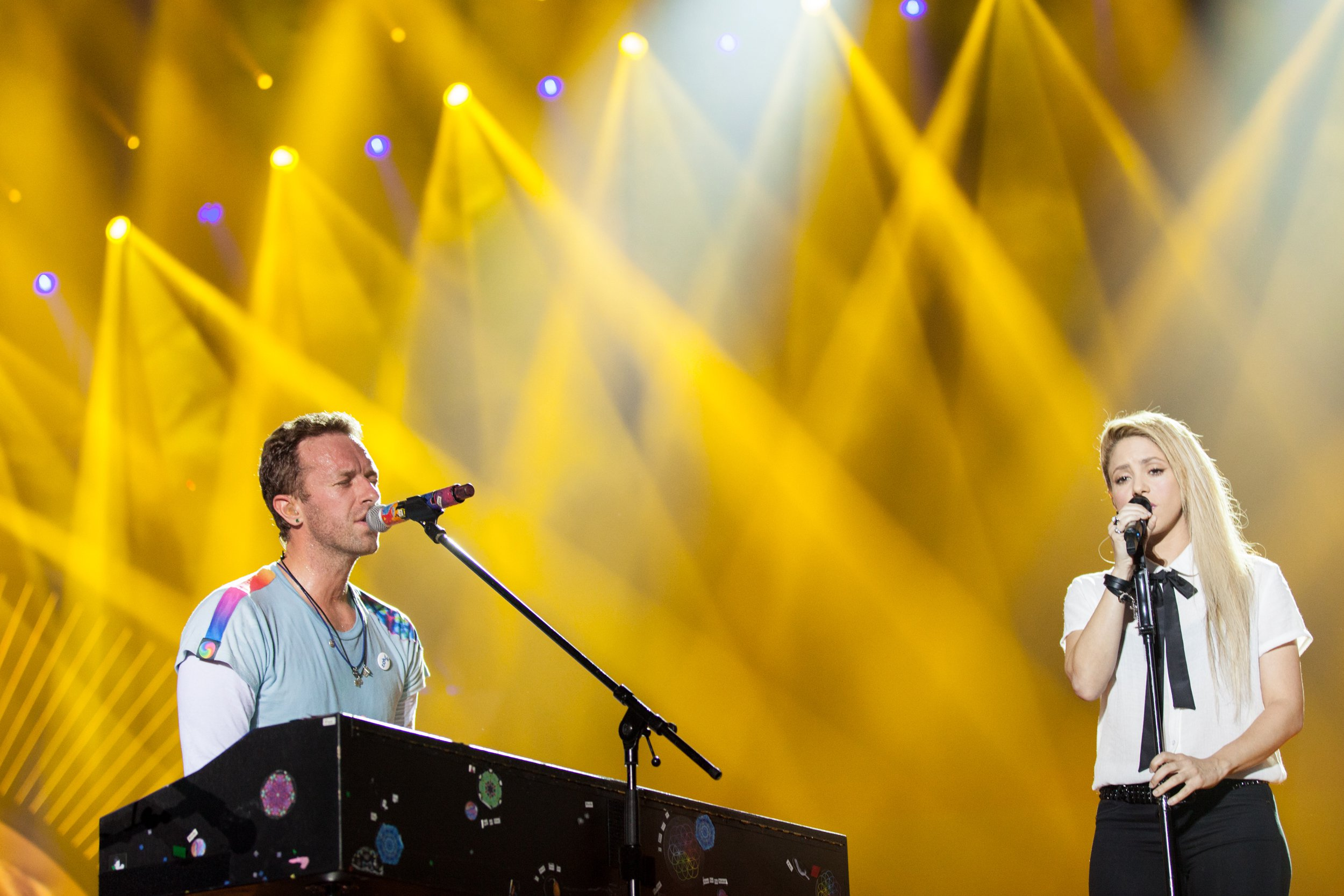 Hamburg_Coldplay_Shakira_GreyHuttonForGlobalCitizen_2.jpg