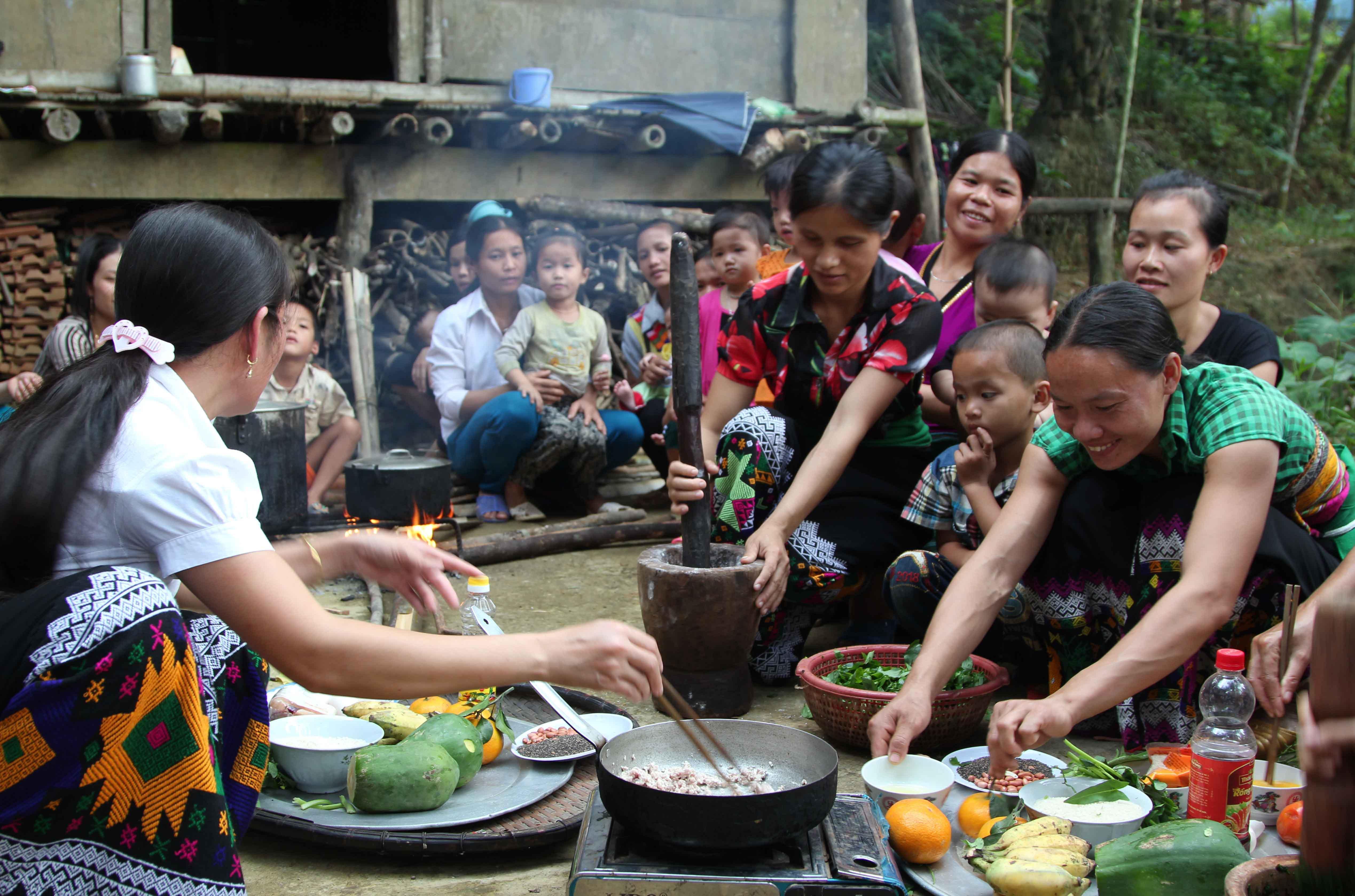 Sponsorship-s150921-4-Quan Son ADP-Vietnam (5)_711329 Nutrition Club.jpg