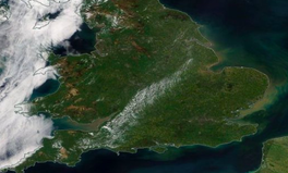 Article: The Heatwave Has Made Britain Literally Change Colour in Astonishing Satellite Images