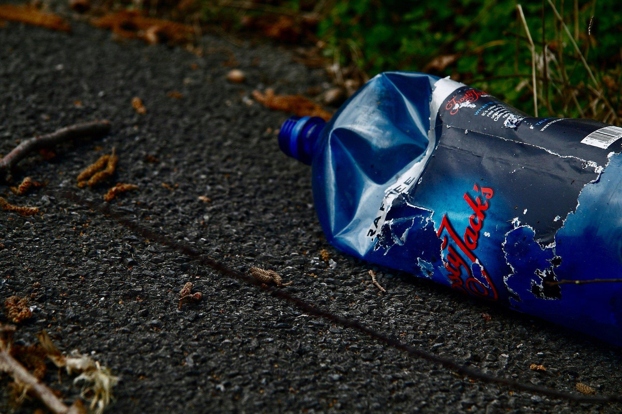 plastic bottle_litter_uk_flickr