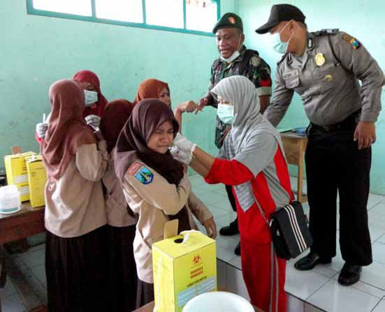 indonesia vaccine.jpg