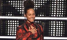 Article: 2016 vmas Rihanna lemonade alicia keys