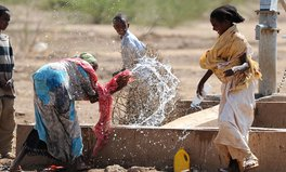 Artikel: Ending the water crisis is about people, not water