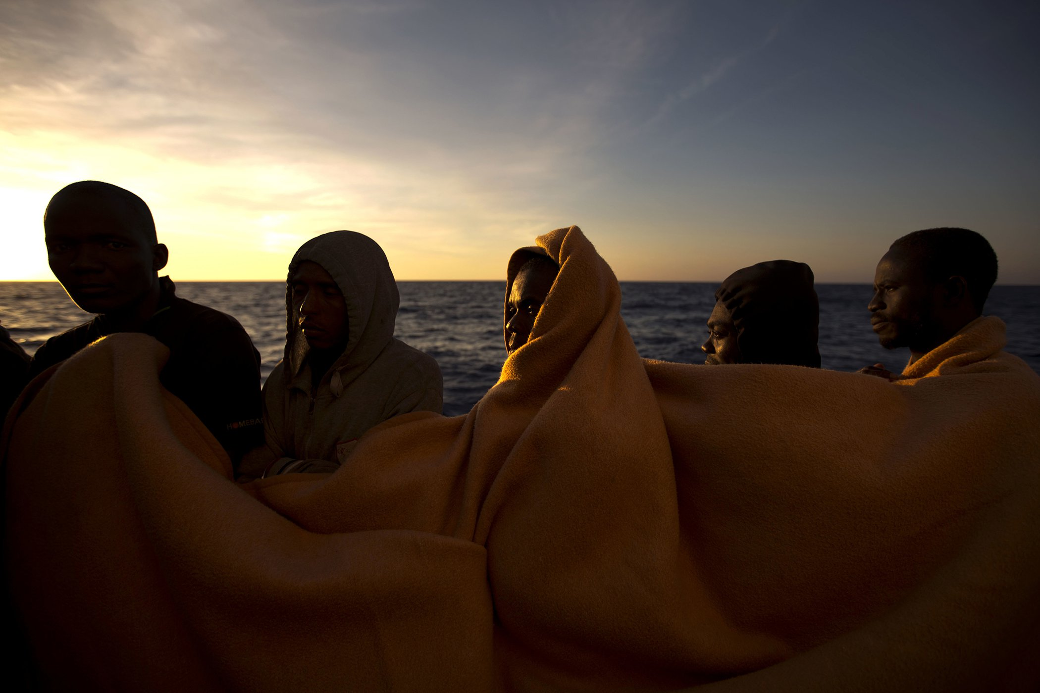 2017-Year-In-Photos-Migrants-Mediterranean-08.jpg
