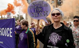 Artikel: Same-Sex Marriage and Abortion to Be Legal in Northern Ireland for the First Time