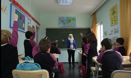 Video: Life as a classroom in Syria