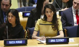 Artikel: Amal Clooney Will Represent Two Journalists Detained in Myanmar in Court