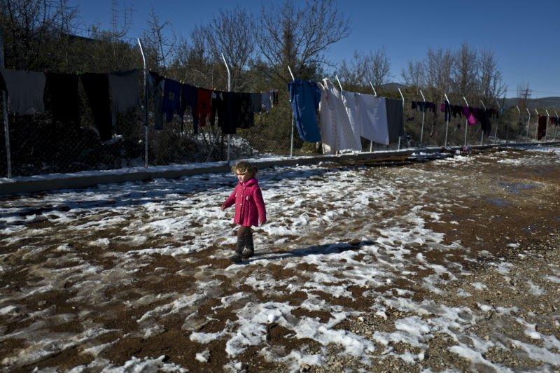 AP Photo Muhammed Muheisen refugee greece cold.jpg
