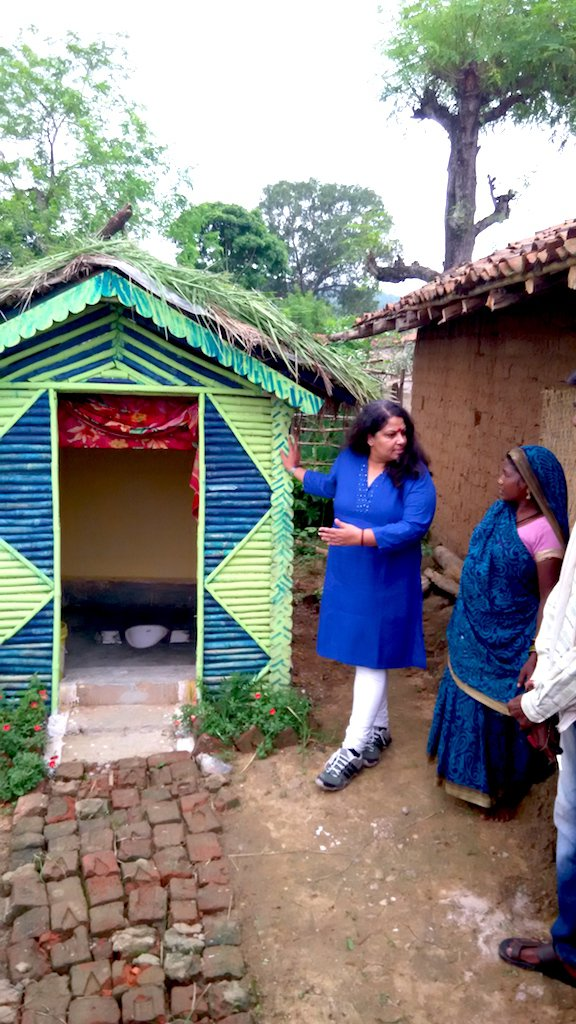 geetha interacting with one of the community members in chhattisgarh.jpg