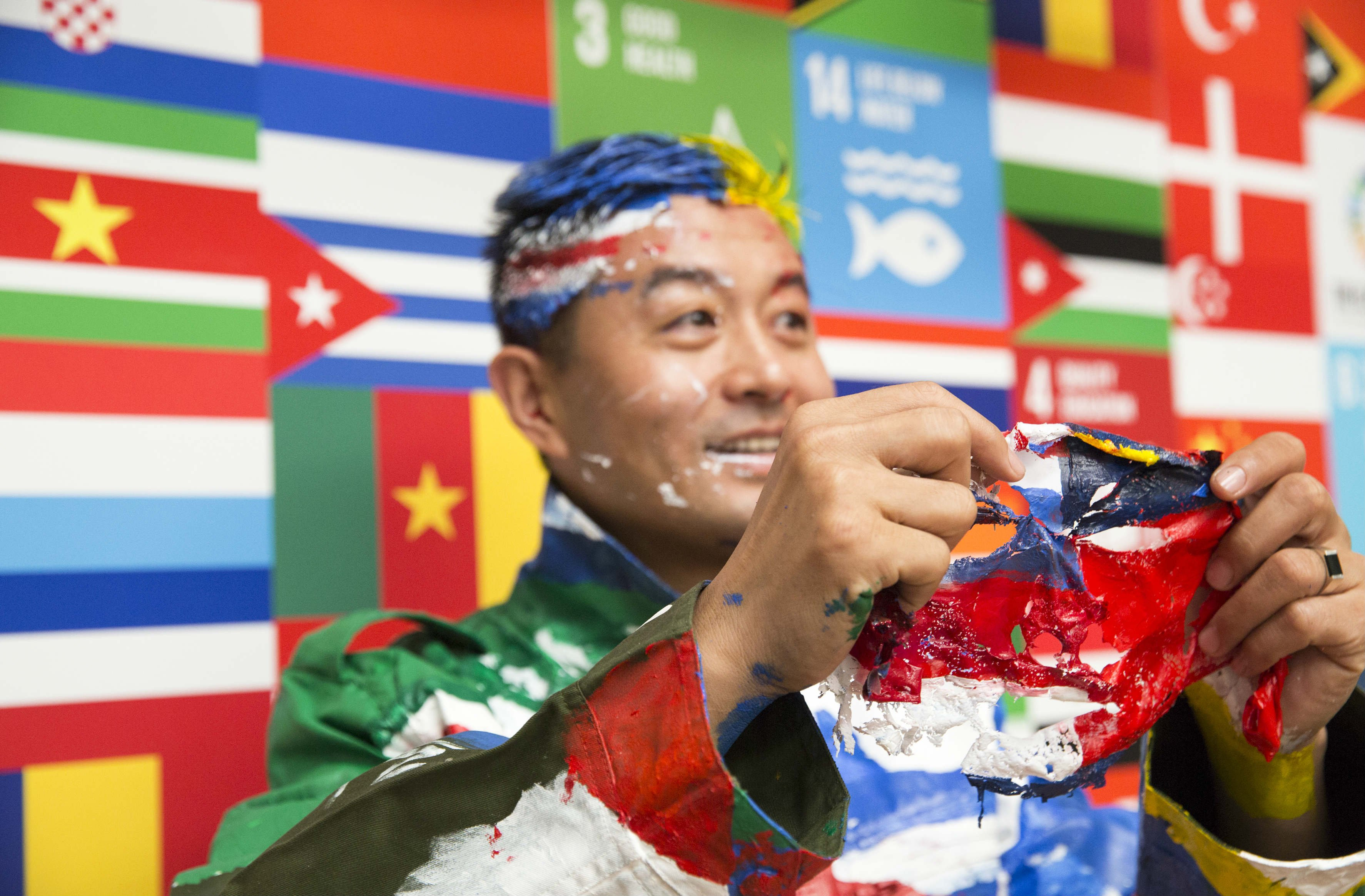 7-billion-people-in-7-days-the-global-goals-BODY-Chinese Artist 2.jpg
